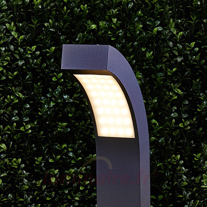 Luminaire d 39 ext rieur la borne lumineuse design est la for Luminaire exterieur facade design
