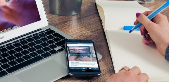 e-tourisme : le smartphone prend place
