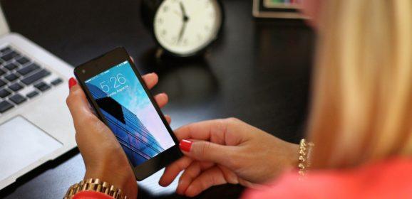 Comment choisir son téléphone portable pour senior ?